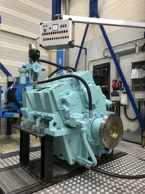 MM W12000, Masson-Marine Azure blue gearboxes